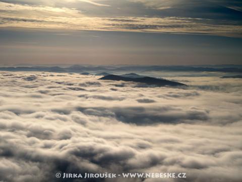 Mlhavý den v Povltaví /J11