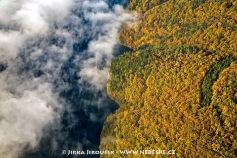 Podzim se dotýká Vltavy /J36