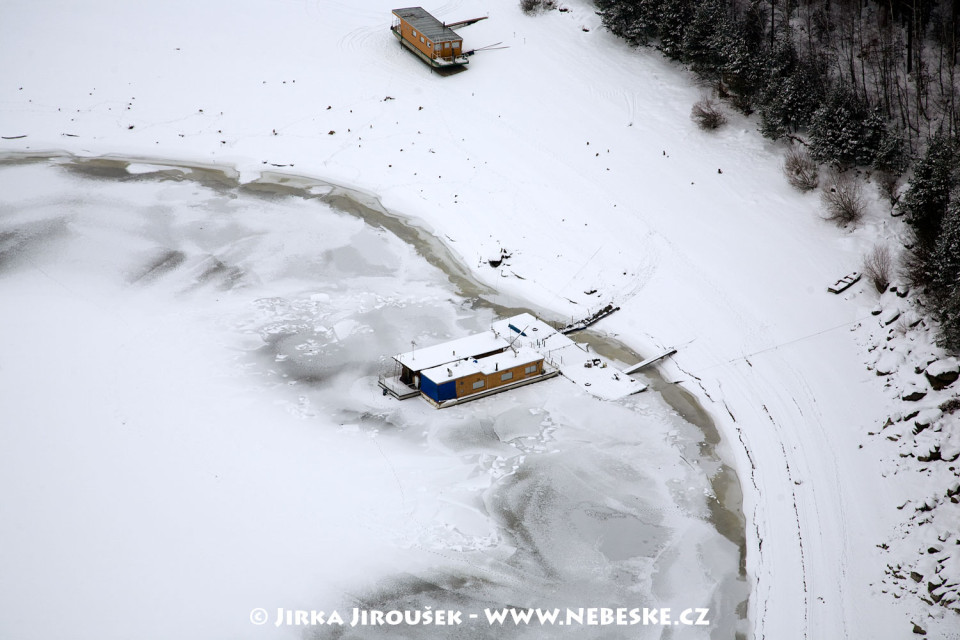 Hausboat v zimě J38