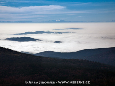 Hřebeny Alp v pohledu od Lipna od Smrčiny /J729