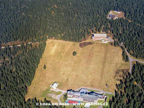 Černá hora – Sokolská bouda, Černá bouda, rozhledna Černá hora /J547