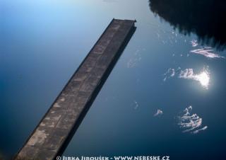 Nedokončený most přes Želivku – vodní nádrž Švihov /J233