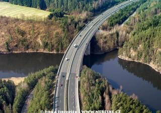 Most na dálnici D1 přes Želivku /J235