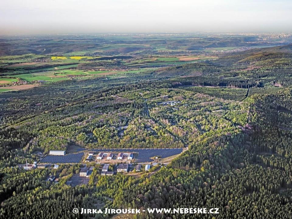 Bývalá raketová základna Klondajk, Praha v pozadí /J199