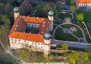 Zámek Mníšek pod Brdy /J211