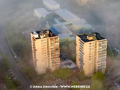 Paneláky na sídlišti /J869