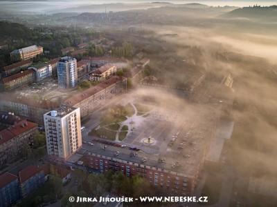 Náměstí 17. listopadu /J877