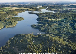 Orlická přehrada proti proudu /J678