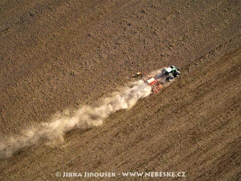 John Deere v akci /J799