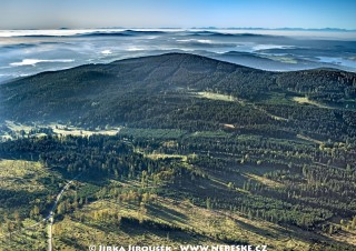 Špičák v Boleticích, Lipno a Alpy na pozadí /J444