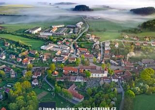 Křečovice – Vesničko má středisková /J631
