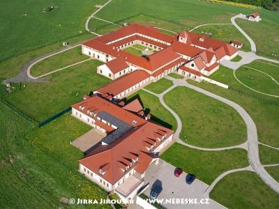 Trapistický Klášter Naší Paní nad Vltavou – Poličany /J662