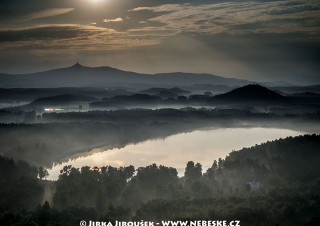 Hamr na Jezeře a Ještěd na obzoru /J334