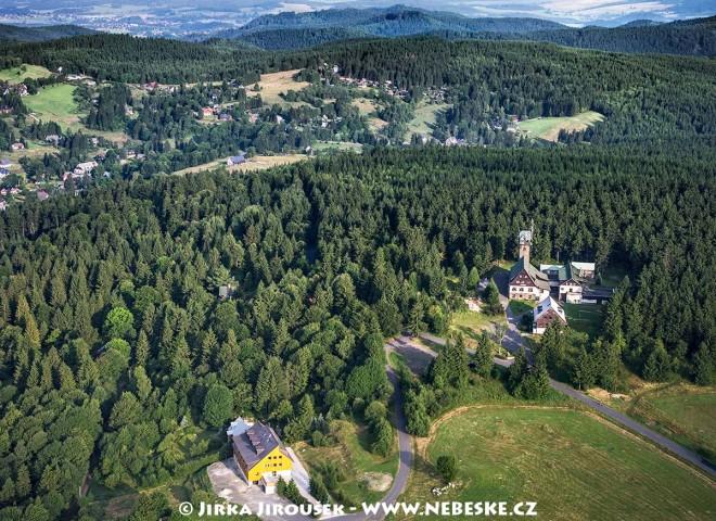 Rozhledna Královka na vrchu Nekras pobliž Bedřichova /J342