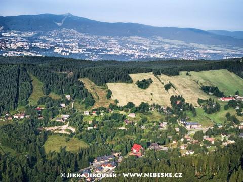 Bedřichov, Liberec a Ještěd v pozadí /J343