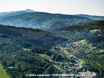 Andělská Hora s Ještědem v pozadí /J395