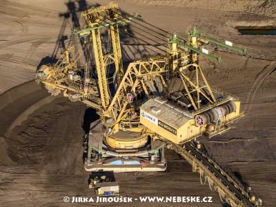 Těžební stroj v uhelné pánvi Horní Jiřetín /J838