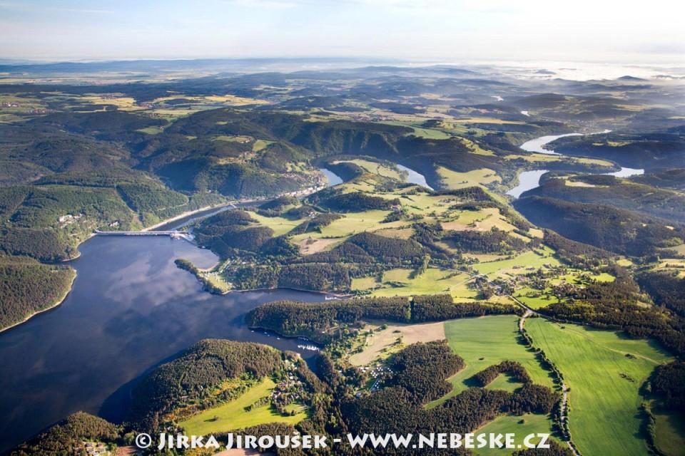 Od přehrady Orlík na Kamýk /J707