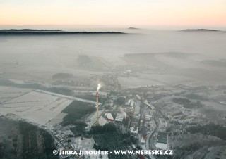 Kovohutě a Lhota u Příbram pod inverzí /J963