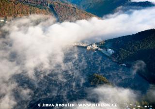 Hráz přehrady Orlík /J801