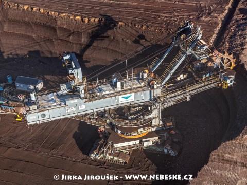 Rýpadlo střední velikosti UNEX KU300 /J172