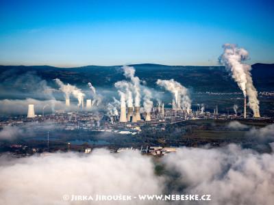Chemické závody v Záluží u Mostu /J823