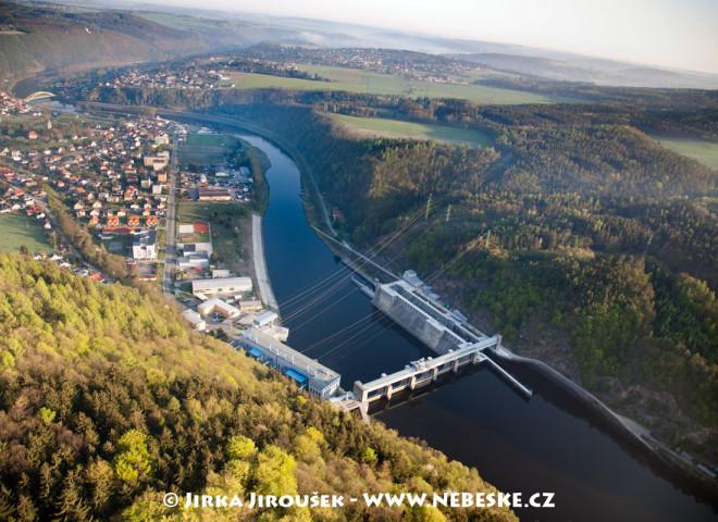 Štěchovice – přehrada a obec /J682