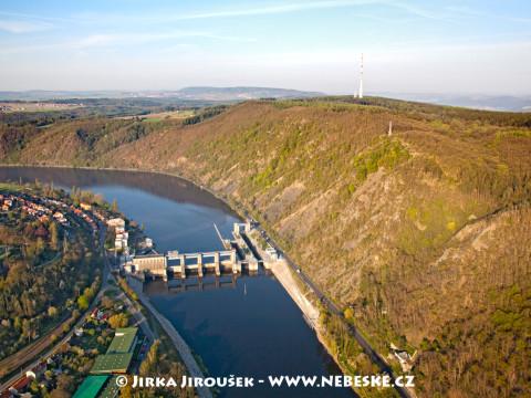 Vrané přehrada a vysílač Cukrák