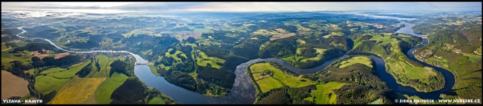 Vltava mezi Orlíkem a Kamýkem – panorama /J848