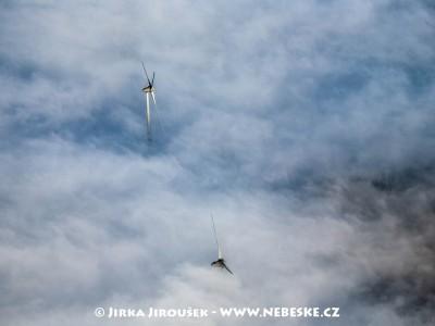 Kryštofovy Hamry – větrné elektrárny /J1111