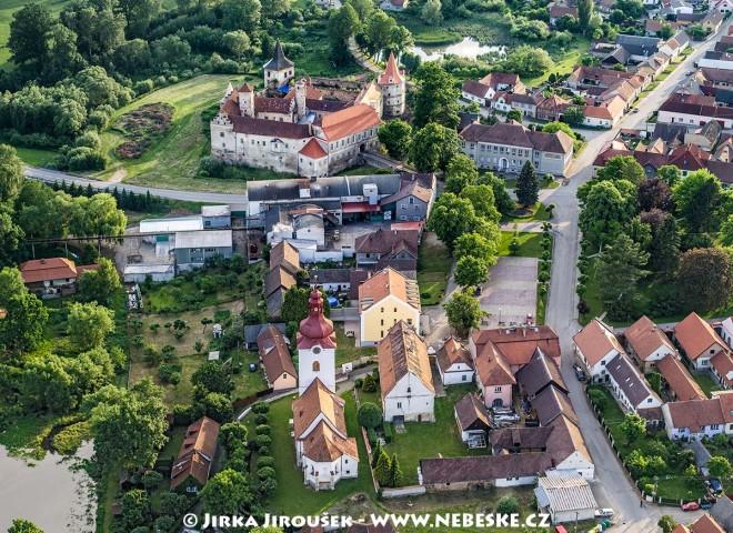 Červená Řečice – zámek a kostel /J1170