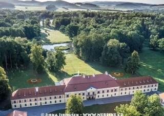 Červený Dvůr – zámek s parkem /J1178