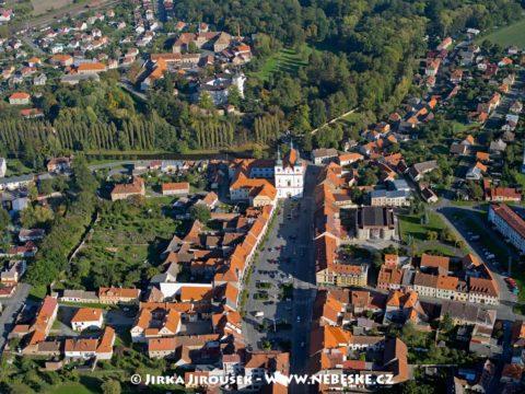 Březnice – náměstí, zámek /J1195