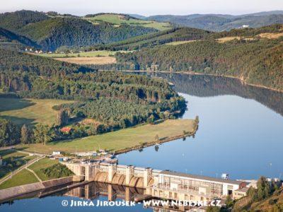 Kamýk nad Vltavou u přehrady /J1257
