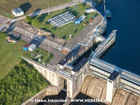 Kamýk nad Vltavou – zdymadlo na přehradě /J1259