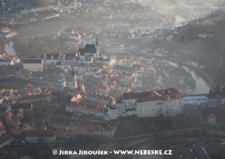 Český Krumlov, zámek zamlžený /J1200