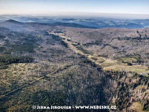 Březnické a Luzenské údolí s Luzným v pozadí /J1308