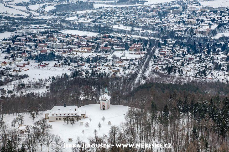 Barokní areál Skalka a Mníšek pod Brdy v zimě /J1231