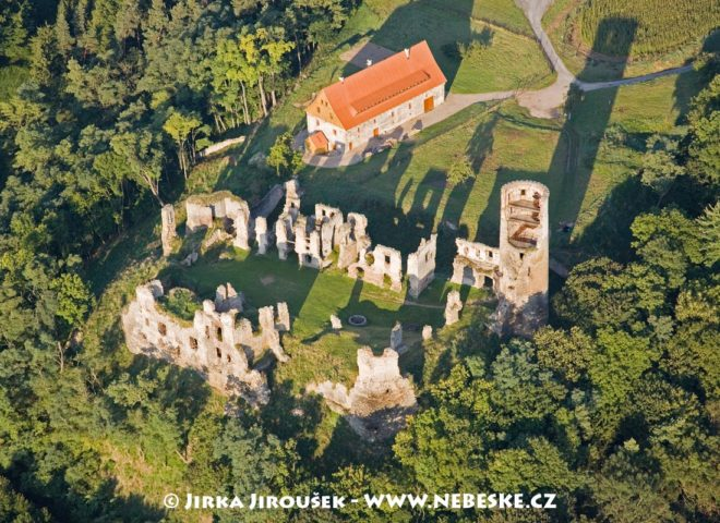 Zvířetice, část obce Bakov nad Jizerou J1336