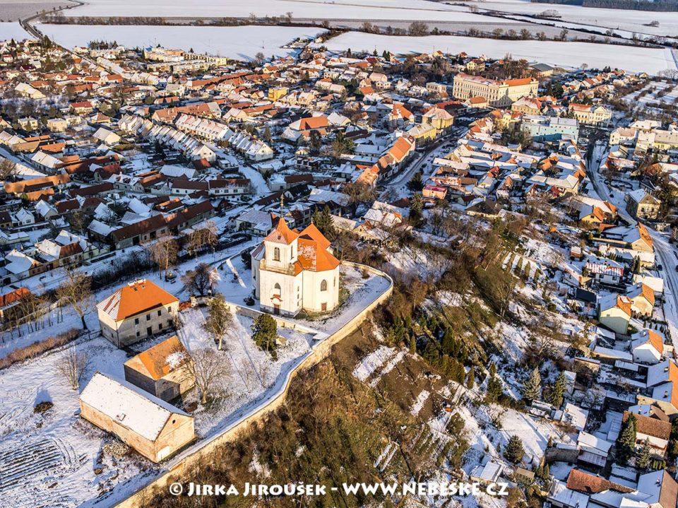Sadská- kostel sv. Apolináře J1379