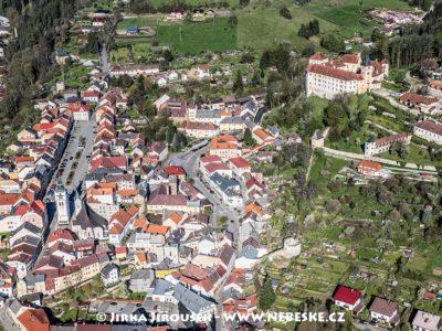 Vimperk – náměstí a státní zámek J1470