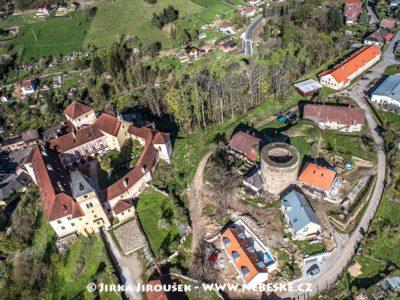 Vimperk – pozůstatky opevnění a zámek J1479