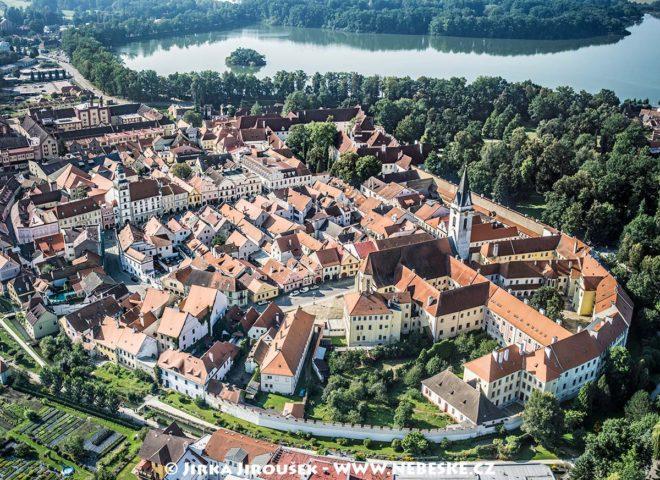 Třeboň – historické centrum J1519
