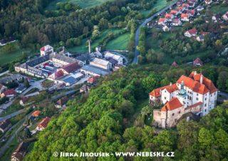 Vysoký Chlumec – hrad a pivovar J1527
