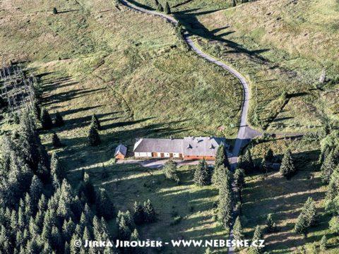Březnické údolí s hájenkou J1556
