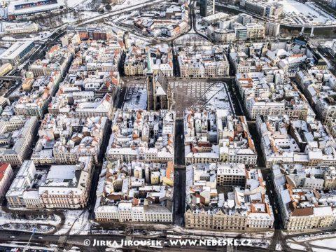 Plzeň centrum v zimě J1572