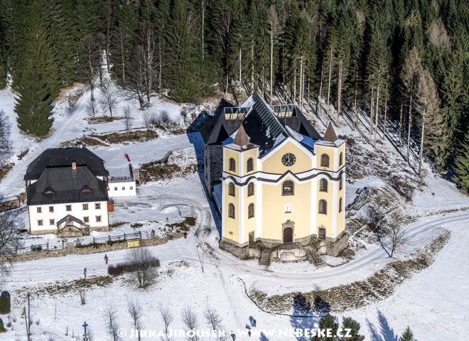 Kostel Nanebevzetí Panny Marie – Neratov J1642