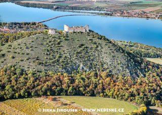 Zřícenina hradu Děvičky J1690
