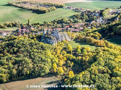 Zřícenina hradu Sirotčí hrádek J1705