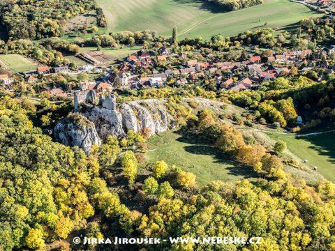 Zřícenina hradu Sirotčí hrádek a Klentnice J1706